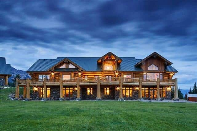 Sweeping Estate in Big Sky, Montana