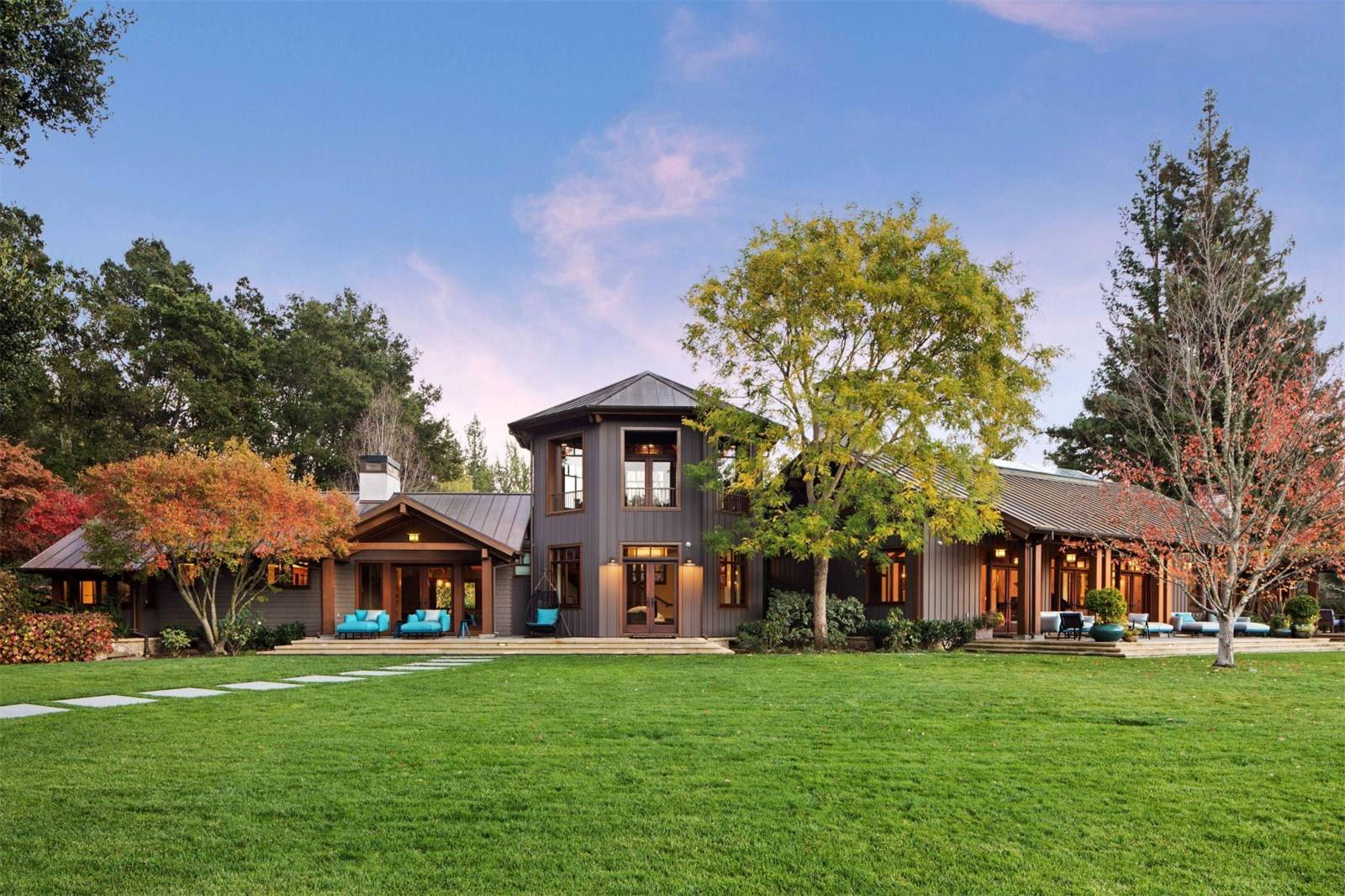 Exquisite Vineyard Estate in Woodside, California